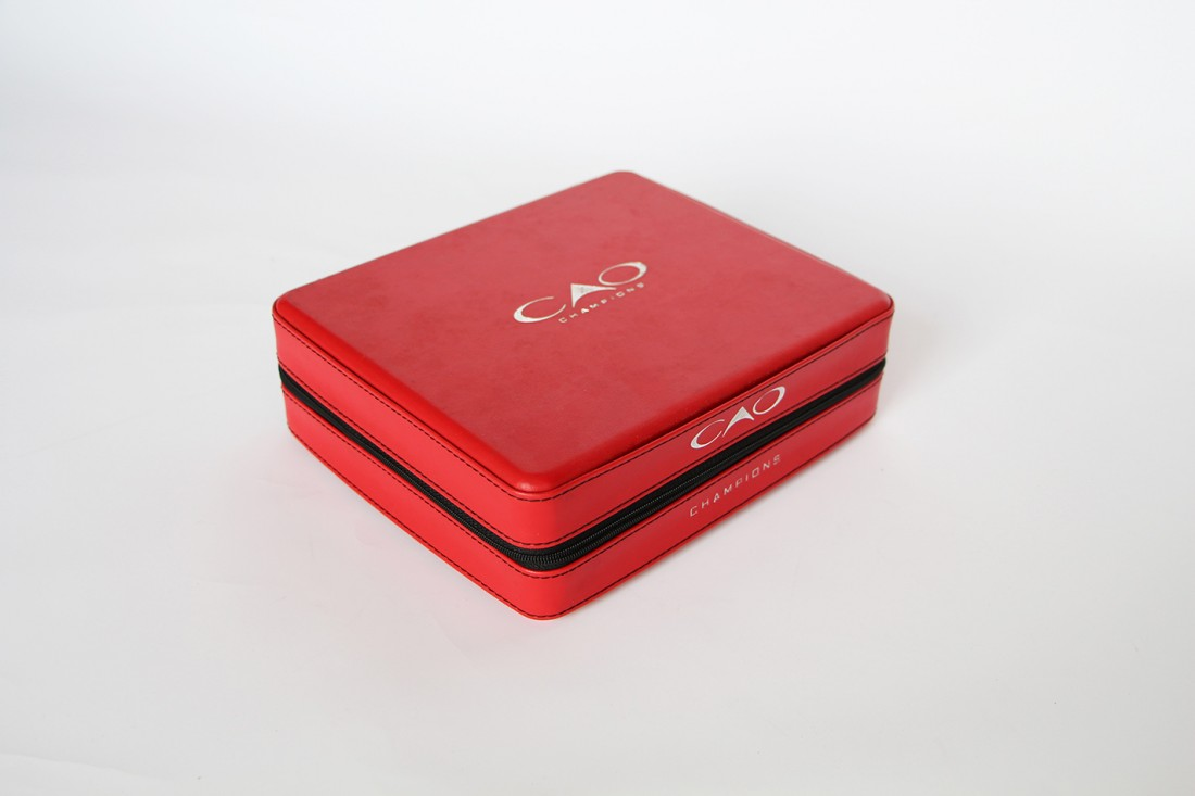 CAO Travel Humidor Red